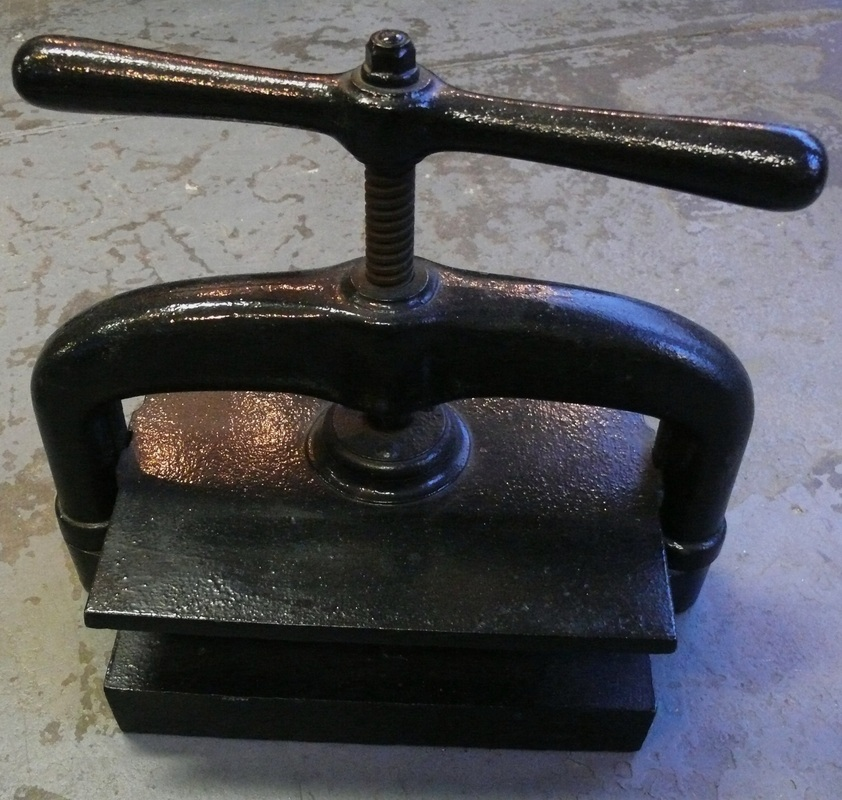 ANTIQUE BOOK PRESS